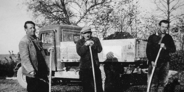 Joseph et Robert WAROUX et leur premier ouvrier
